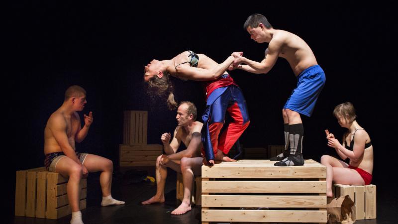 Voor het voetlicht. Nieuw boek over podiumkunsten en mensen met een beperking