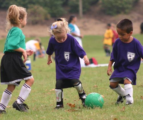 """""""Betrek sociaal-sportieve pioniers bij je beleidsvorming"""" – Vier ondersteuningspistes voor 243 sociale sportinitiatieven"""