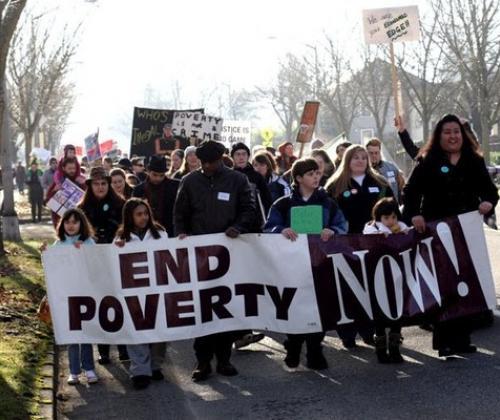 Wat betekent een risico op armoede voor sociale en culturele participatie?