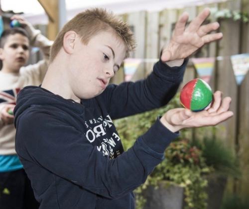 Circusplaneet uit Gent ontwikkelt een aanbod voor mensen met een beperking