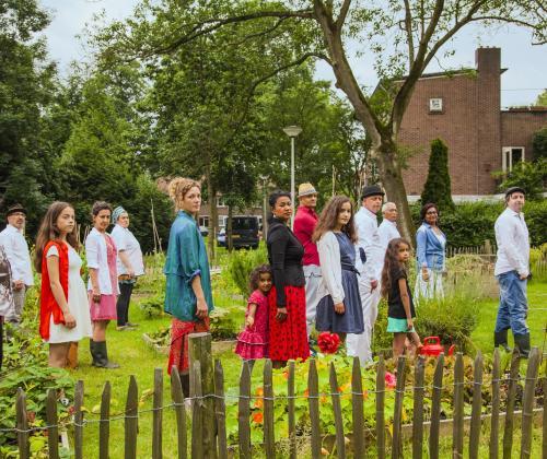 Buurtcommunities #19 van Pakhuis De Zwijger. Een gesprek over de toekomst van community art, met live performances van internationale gasten