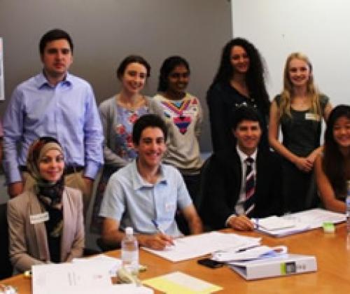 Rondetafel 'Diversiteit in/en het jeugdwerk': schrijf je nu in!