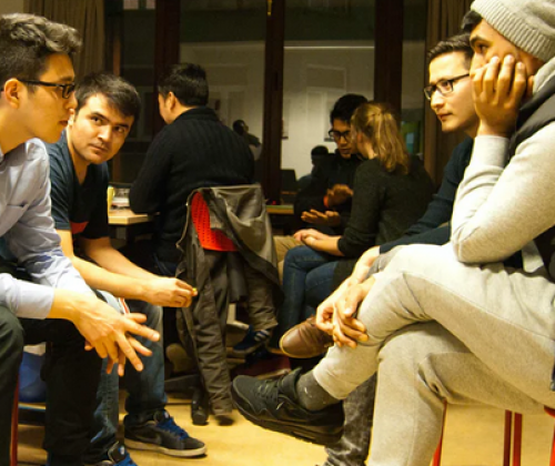 Adviescentrum Migratie slaat brug naar jeugdwerk