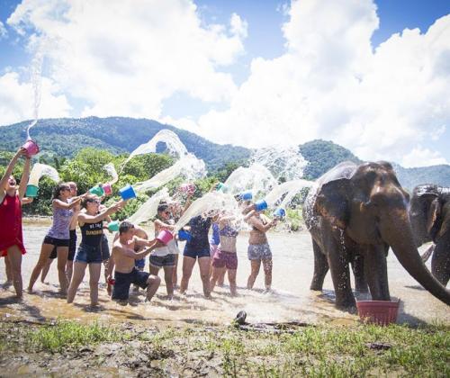 Karavaan begeleidt inclusieve reis naar Thailand